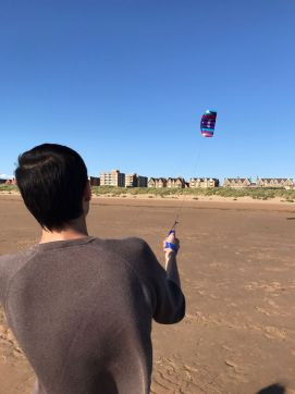 my friend flying flexifoil big buzz best kites